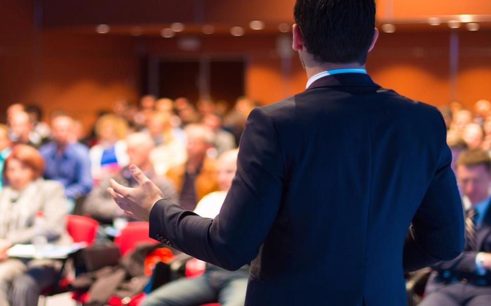 5 errores más que se cometen al hablar en público.