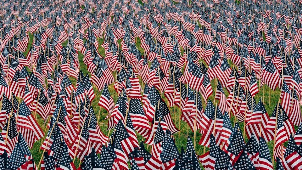 Cómo apelar a la identidad y el patriotismo para mover a la acción de las masas.